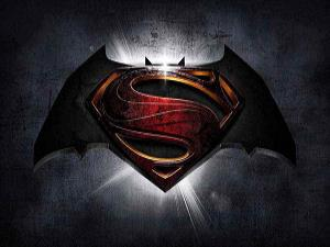 Batman v Superman: Dawn of Justice'ten yepyeni bir fragman!